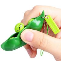 Erkekler Komik Ekstrüzyon Bezelye Fasulye Anahtarlık Kadınlar Çanta Telefon Charms Trinket Stres Tahliyesi Oyuncak Hediye için Orjinal Yeni Soya Anahtarlık