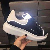 Повседневная обувь Кожаные тапки Женщины с низким Top обуви Толстые Bottom Lace-Up Стиль С Щепка Светоотражающие полосы черный и белый