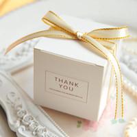 Avrupa Basit Atmosfer Beyaz Kare Şeker Kutuları Düğün Hediye Paketleme Kutu Bebek Gösterilen Şekerleri Hediye Çanta Malzemeleri