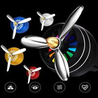 Ambientador de aire del coche Ambientador de aire de ventilación para decoración de automóvil LED Fan Fragrance Clip en Auto Car Styling