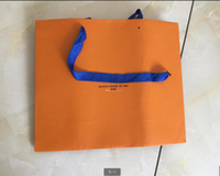 2021 حار بيع هدية حقيبة عالية الجودة حقيبة ورقة اسم العلامة التجارية أكياس الورق حقيبة هدية حقيبة شحن مجاني أعلى جودة مع شعار مطبوعة أكياس التسوق ورقة