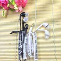Auriculares de alta calidad J5 Auriculares estéreo auriculares de 3,5 mm Auriculares de fideos planos en oreja con micrófono y control remoto para Samsung Galaxy S3 S4 S5 S6