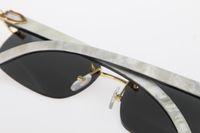 Großhandel Randlos-Spiegel-Sonnenbrille Hot 8200760 Weiß Innerhalb Schwarz Buffalo Horn mit vertikalen Streifen Optical Hot Unisex Sonnenbrille neue finstere