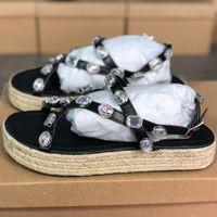 Nova Plataforma Sandália de couro das mulheres Rhinestone sapatas lisas Grosso Straw inferior Shoes Designer chinelo Moda Praia Outdoor calçados casuais US5-11