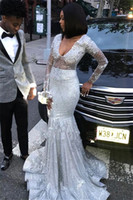 2020 Scollo a V paillettes argento della sirena lunga Prom Dresses Black Girls maniche lunghe in rilievo sweep treno abiti di sera BC0871