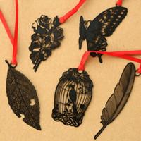 Belle peinture noire métallique Bookmark ruban creux Livre Dossier Plume Noir Papillon Rose Fleur Bookmark