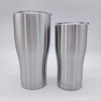 30 Unzen gebogen Becher Edelstahl-Becher Kaffee Bierkrug Doppelwand-Vakuum-isolierten Reise-Becher mit spritzwassergeschütztem Deckel