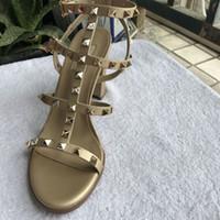 Hot Sale-neue europäische 9,5 cm hoch befestigt Art und Sandalen 6 Farbe Größen 35-41