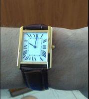 Heißer VERKAUF Mann Frauen Mode Gold weißen Zifferblatt Uhrquarzbewegung Uhr Kleid Uhren 07-3