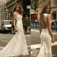 Berta 2018 Vestidos de novia de sirena Sheer Mesh Lace 3D Apliques florales Tul Vestidos de novia sin mangas con botones Vestidos de novia personalizados
