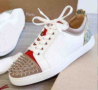 2019 Designer estate Sneakers Red Bottom Low-Top Junior Spikes Flats Scarpe Uomo e donna Sneakers in pelle Scarpe casual Scarpe da ginnastica da donna