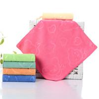 مربع الصلبة اللون الألياف الناعمة منشفة الوجه المناشف القطنية Lnfant سماكة الطباعة الخاصة 25 * 25cm منشفة صغيرة