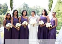 Africano Una línea Vestidos de dama de honor púrpuras Un hombro Sexy Lado alto Dividir Vestido de fiesta de boda Vestido de gasa de dama vestidos de honor personalizados BC0308