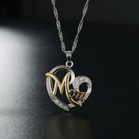206778378ffb4 2018 nouvelle mode coeur forme lettre maman pendentif collier de haute  qualité maman anniversaire bijoux pendentifs