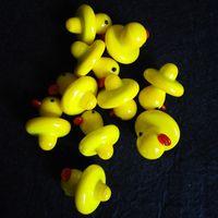Pato al por mayor de UFO Cap Carb sólido de cristal coloreado amarillo pato domo de 24 mm de 4 mm térmica P cuarzo Banger Uñas del tubo de agua Bongs En Stock