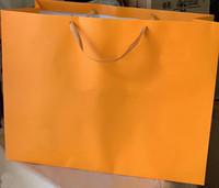 مصنع أكياس الورق الجملة للكيس مربع هدية أكياس مصمم لديهم نمط مختلف، وحجم الشحن المجاني