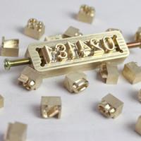 Carta Movable da alta qualidade bronze molde Custom Logo alfabeto de símbolos Pressione Stamp Craving Ferramenta Branding Iron couro folha de madeira de bambu quente