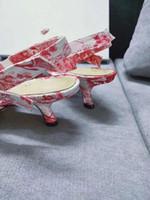 Hot Sale-und Sommer Schuhe der neuen Frauen-Absatzfrauen des Frühlingsschuhe Mode Drucktuch europäische Waren zurück Luft Sandalen wies 010421