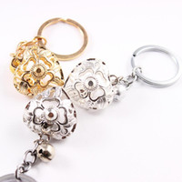 Moda Hollow Çiçek Kalp İnci Kafes kolye Bell Anahtarlık Anahtarlık Kadınlar Güzel Çanta Charm Askı Erkekler Araba Anahtarlık 10pcs / Lot