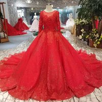 Red Classic style Bridal Wedding Party Dress With Long Train...