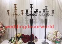 Nuovo stile alto 120 centimetri all'ingrosso moderno abile tavolo top cristallo lampadario centrotavola per matrimoni decor166