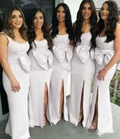 Side Split Brautjungfernkleider 2019 Spaghetti bodenlangen Bow Garden Country Beach Plus Size Arabisch Hochzeit Gastkleider Trauzeugin Kleid