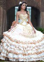 Vintage 2020 robe de bal Quinceanera robe perlée dentelle détail or manches volants robes de soirée Victoria Plus Size Party Wear