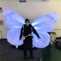 Parata prestazioni illuminotecniche gonfiabile Butterfly Wings 2m LED Abbigliamento Walking Blow Up ali colorate costume per Concert Stage Show