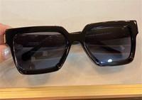 Nuevos hombres diseño gafas de sol 96006 Marco cuadrado Vintage Shiny Gold Gold Summer UV400 estilo láser de alta calidad 1165