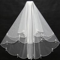 Элегантная короткая слоновая слоновая и слоновая и слоновая сметаные завесы с бисером края оборманов с помощью вставки гребень дешево для свадебной невесты носить 11038