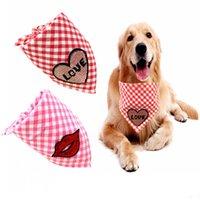 Nueva Mascota Valentine bufanda de la impresión del labio perro babero Amor cuadrícula Pet regalos de toallas para mascotas tela escocesa Imprimir
