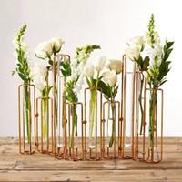 Vase en métal pot moderne de fer simple pour la table de mariage MAÎTRESSES stand de plantes de fleurs avec un tube en verre vase hydroponique pour le ménage de l'hôtel