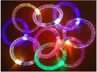 LED 플래시 팔찌 반짝이 글로우 라이트 핸드 링 스틱 빛나는 크리스탈 그라디언트 다채로운 뱅글 멋진 댄스 파티 크리스마스