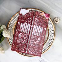 Free Ship Marsala Corte Laser Invitaciones de boda con Sobre Elegante Puerta Imprimible Tarjetas de invitación Tarjetas de invitación Tarjetas de noche invitaciones