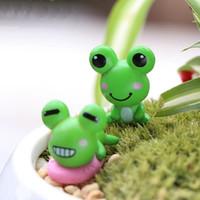 XBJ049 Mini grenouille artificielle 2Pcs Décoration Accessoires Fée Jardin Miniatures Bricolage Artisanat Micro Aménagement paysager Décor pour jardin
