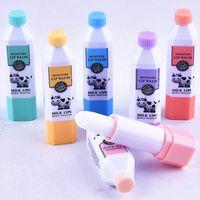 Labbra nuovo arrivo idratante sveglio di bottiglia per il latte Lip Balm incolore Perfeziona la riparazione del labbro rughe per Donna Uomo Bimbi Inverno cura delle labbra del bambino