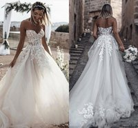 Nuovi abiti da sposa sexy Una linea Bohemian Sweetheart Lace Appliques Backless Sweep treno Summer Beach Plus Size Abiti da sposa formale
