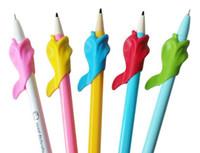 연필 그립 돌고래 물고기 잡고 펜 장치 아동 학생은 연필 파악 펜 연필 그립이 작은 도매 루프 수정