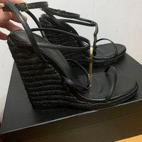 Mulheres Sandálias de cabedal de couro T-strap sandal Saltos Altos rebites sapatos Senhoras Sapatos De Festa Sexy 9,5 cm 5 cores com caixa