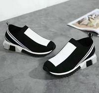 2021 Популярный новейший дизайнер Unisex женщин мужские кроссовки повседневные сетки обувь желтые женщины голубые черные мужчины носки белые ботинки сапоги 35-46