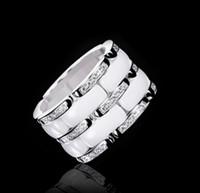 جديد وصول أزياء سيدة 316 التيتانيوم الصلب أسود أبيض إعداد السيراميك ثلاثة صفوف الماس الزفاف الاشتباك خواتم مطلية بالذهب 18k Size5-11