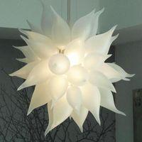 مصابيح الثروات الحديثة أضواء 110-240 فولت أدى المصابيح 24 بوصة سلسلة قلادة الإضاءة الزفاف المركزية اليد في مهب الزجاج الفن ديكو مصابيح الإضاءة