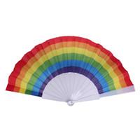 Los aficionados del arco iris ventiladores plegables mano del arte colorido Held Fan decoración del partido del banquete de boda del cumpleaños de accesorios para el verano del regalo del favor del DBC BH2923
