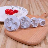 4PCS / 설정 크리스마스 엘크 금형 플라스틱 플런저 DIY 케이크 장식 도구 퐁당 설탕 공예 비스킷 쿠키 커터 금형 J200333
