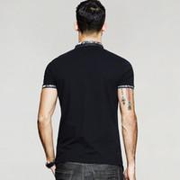 사람의 착용 짧은 소매 의류 남성 슬림 패치 워크 여름 남성 폴로 셔츠 패치 워크 블랙 컬러 브랜드 의류 트렌드 탑