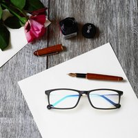 Stylish ultra- light reading glasses comfortable and convenie...
