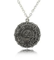 Regalo Amistad joyería de la película Piratas del collar de la vendimia del bronce de plata del cráneo del diseñador de la moneda Collar colgante hombres Partido regalos recuerdos