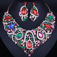 Best-selling Bridal Wedding Jewelry Set Alla moda collana di cristallo di fascia alta orecchini a due pezzi set da cena a due pezzi
