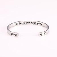 BSS80907 Мода Простые нержавеющей стали маркировочного быть храбрыми и продолжать идти манжета браслет Вдохновенный слово Магнитный браслет женщин подарок