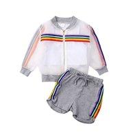 Mode Kinderbekleidung Mädchen Sonnenschutz Der Regenbogen-Streifen-Jacke + Solide Weste + Solide Shorts Outfits Set Kinder Tuch für 1-7Y E22504